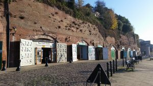 Shops dug from the embankment